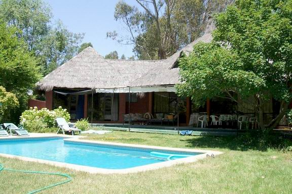 Casa en PISCINACasaenLago  Rapel