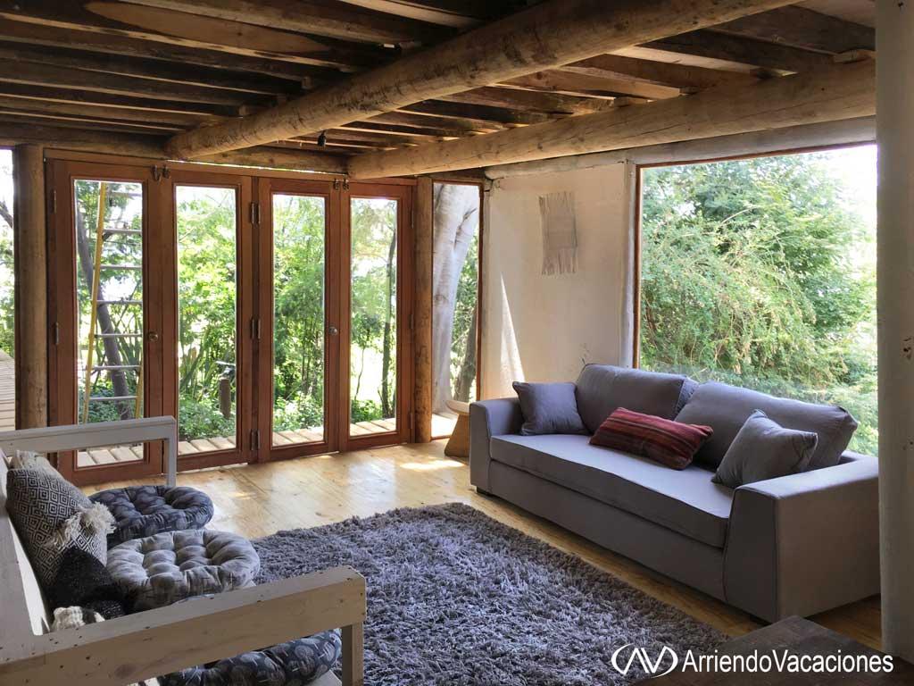 Casa en Living con vista a jardinesCasaenLago  Rapel