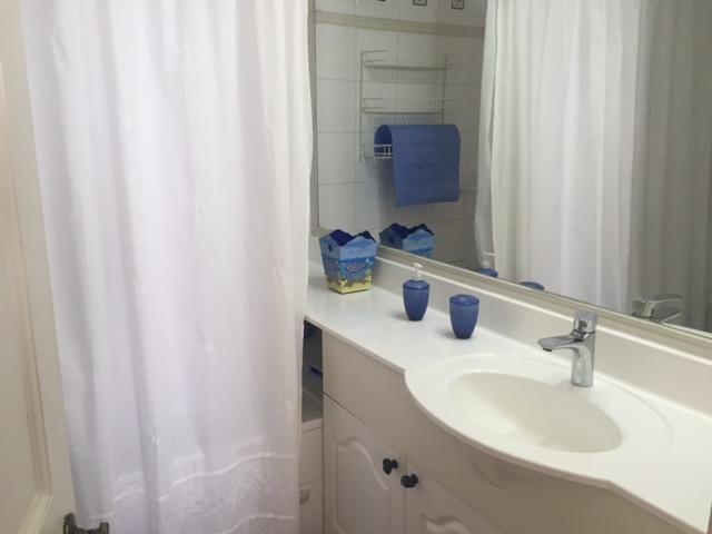Casa en Baño PrincipalDepartamentoenAlgarrobo